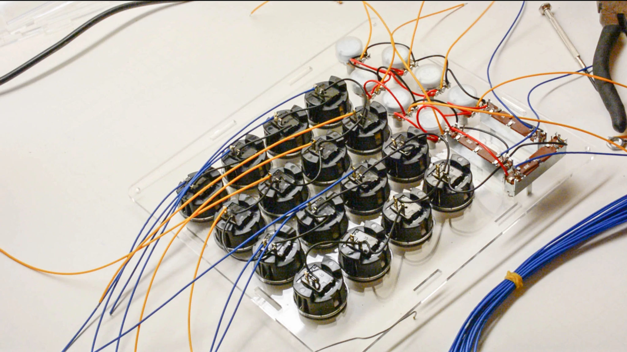 03-soldering-the-wires